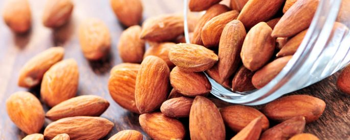 Health benefits you get by consuming nuts daily